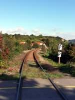 1-naumburg-hbf---freyburg/163070/das-gleis-der-unstrutbahn-in-der Das Gleis der Unstrutbahn in der Ortschaft Roßbach; 07.10.2011 (Foto: Klaus Pollmächer)